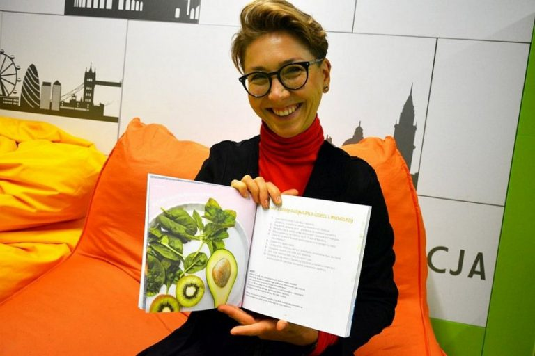 """""""ŻywiOnko"""" – pyszny i zdrowy przewodnik kulinarny dla dzieci i młodzieży"""