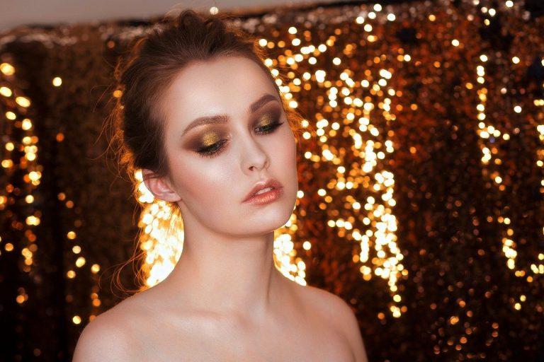 Szybka metamorfoza makijażu dziennego w wieczorowy