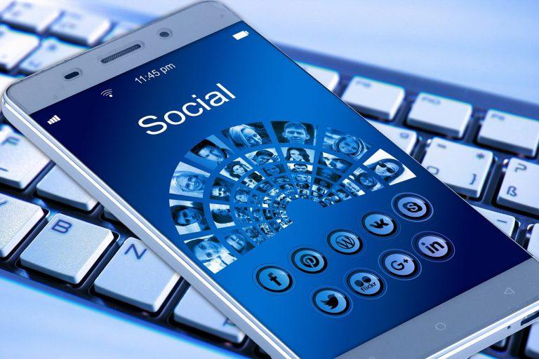 Składane telefony komórkowe