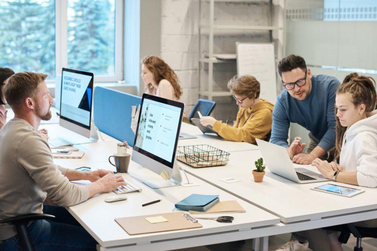 Dlaczego dbanie o porządek w biurze jest opłacalne?